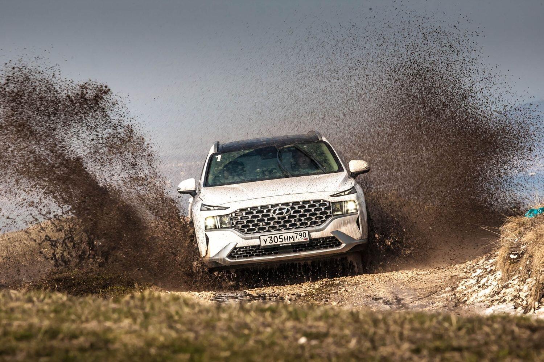 Курс на асфальт: с новым дизелем и двумя сцеплениями в поля не выезжать! Первый тест Hyundai Santa Fe