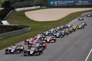 Серия Indycar: массовый завал на первом этапе, который привел к неожиданным результатам
