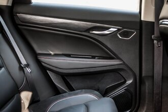 И в гроб сходя, благословил! Lexus NX 300 инспектирует Geely Tugella45