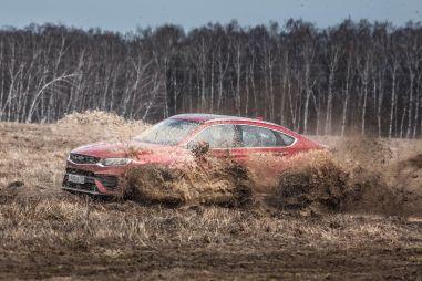 И в гроб сходя, благословил! Lexus NX 300 инспектирует Geely Tugella