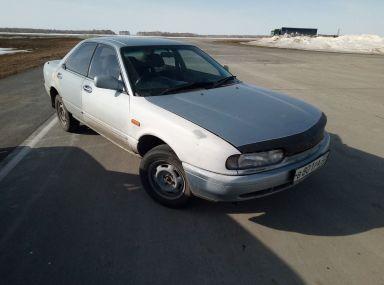 Nissan Presea, 1990