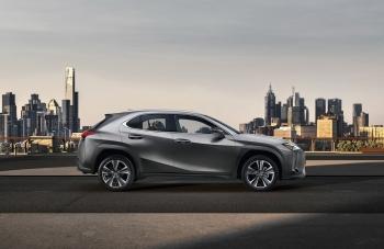 Lexus UX закон сохранения условий