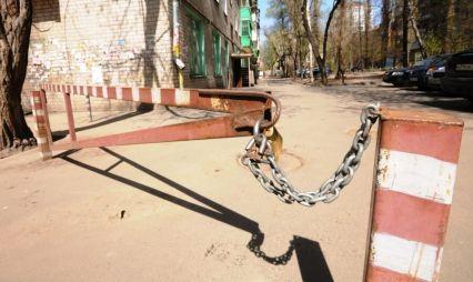«Без шансов»: россияне оценили доступность дворов для проезда пожарной техники