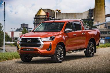 Toyota Hilux опередила УАЗ Пикап в рейтинге продаж