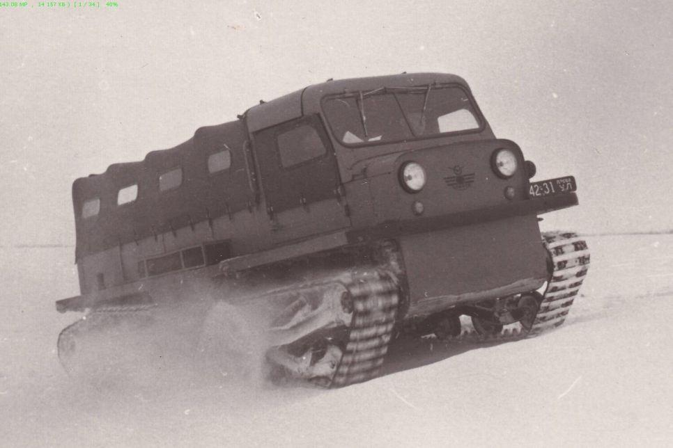 «Додик» на лыжах, санки с лопатками, застрявший болотоход: как испытывали УАЗы на снегу?