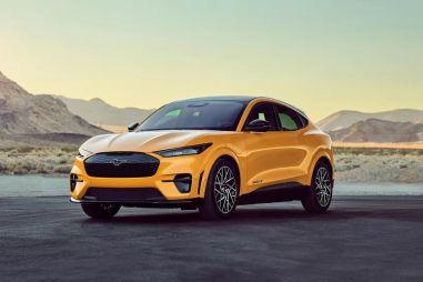 Ford Mustang Mach-E — встречайте главного конкурента Tesla Model Y