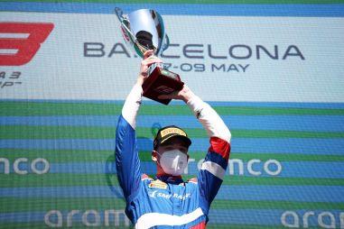 Победа Александра Смоляра на первом этапе Формулы 3