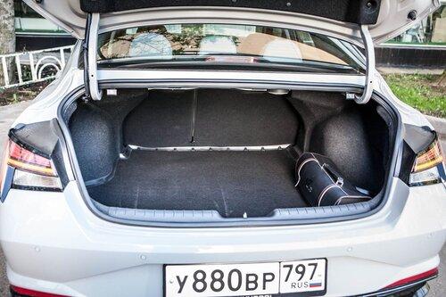 Старая клетка — гранeная таблетка. Skoda Octavia против Hyundai Elantra28