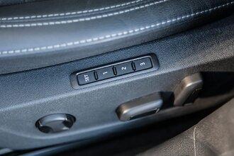 Старая клетка — гранeная таблетка. Skoda Octavia против Hyundai Elantra50