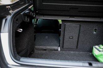 Старая клетка — гранeная таблетка. Skoda Octavia против Hyundai Elantra55