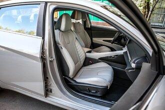Старая клетка — гранeная таблетка. Skoda Octavia против Hyundai Elantra60