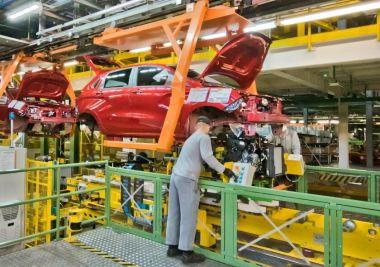 АвтоВАЗ готовится к неритмичному производству автомобилей из-за проблем с поставками комплектующих