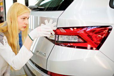Производство автомобилей Skoda страдает из-за нехватки чипов