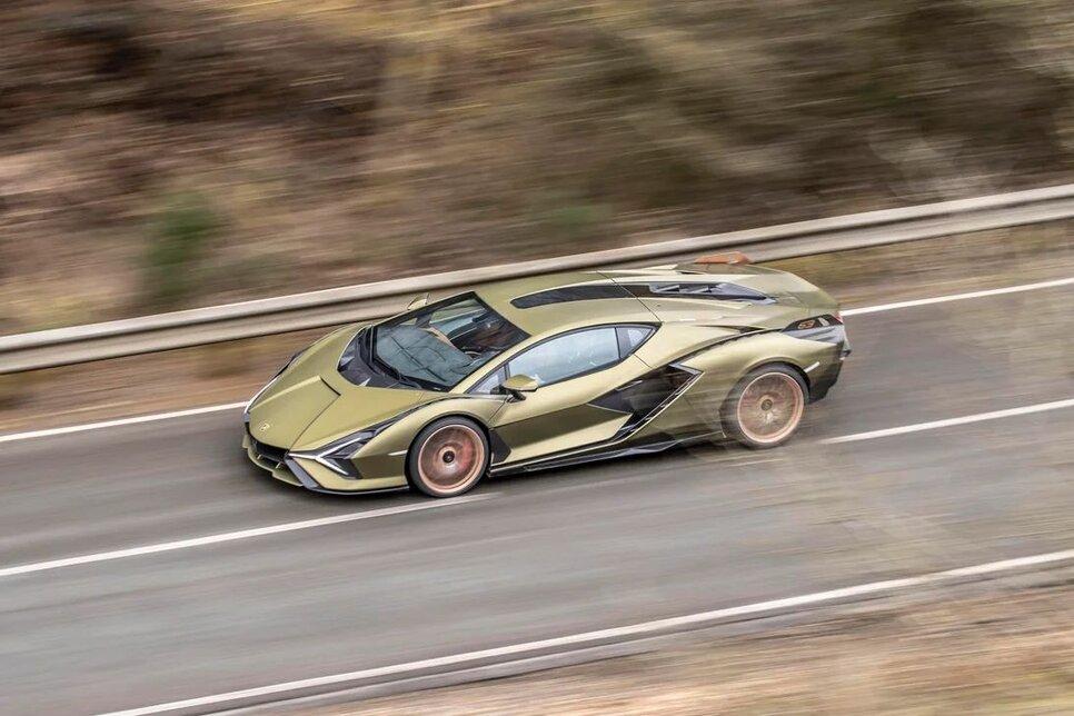 Lamborghini Sian — гибрид без аккумулятора. Что? Да!10