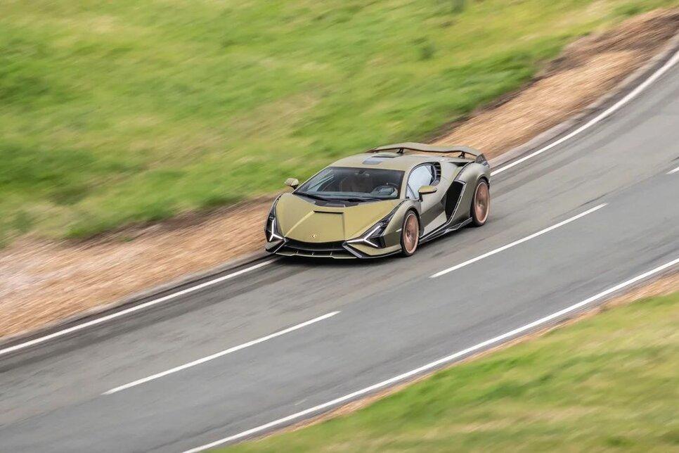 Lamborghini Sian — гибрид без аккумулятора. Что? Да!12