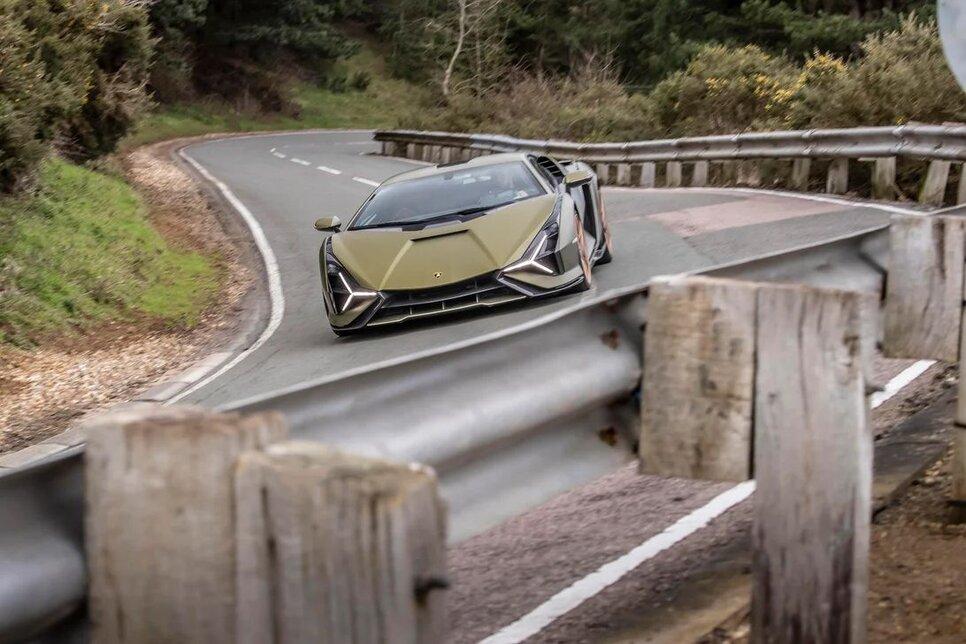Lamborghini Sian — гибрид без аккумулятора. Что? Да!14