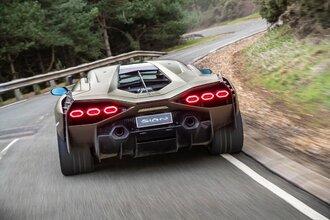 Lamborghini Sian — гибрид без аккумулятора. Что? Да!35