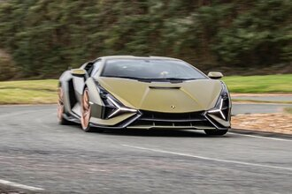 Lamborghini Sian — гибрид без аккумулятора. Что? Да!40