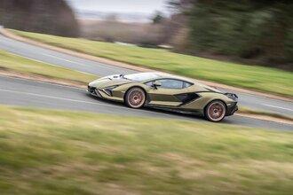 Lamborghini Sian — гибрид без аккумулятора. Что? Да!42