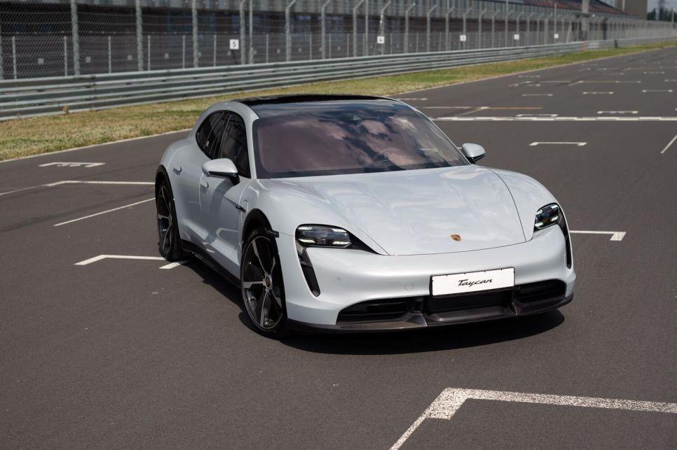 Porsche Taycan Cross Turismo Turbo S. Удар молота