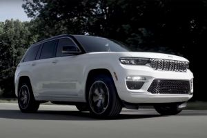 Jeep показал укороченный Grand Cherokee с электромотором