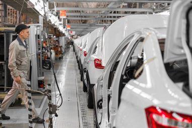 Производство автомобилей в России за полугодие подскочило на 44,3% — Росстат