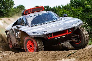 Audi вывела на тесты гибридный болид RS Q e-tron для «Дакара»