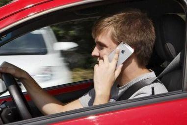 Непристегнутый ремень и разговор по телефону камеры будут фиксировать и за пределами Москвы