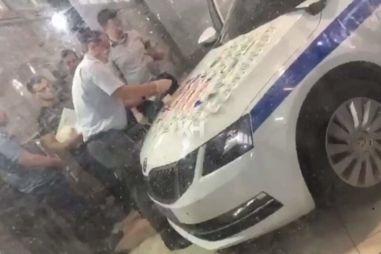 ВИДЕО: в машине ДПС нашли взятку в миллион рублей