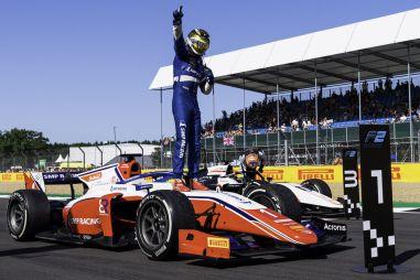 Формула 2: как Роберт Шварцман успел побыть лидером чемпионата в Сильверстоуне