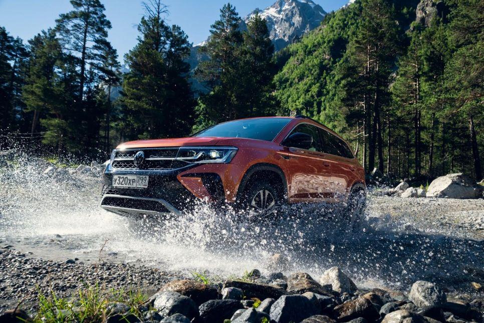 Первый тест Volkswagen Taos. Уже не Карок, еще не Тигуан