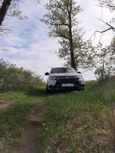 Mitsubishi Outlander, 2021