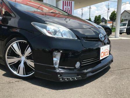 Toyota Prius 2014 - отзыв владельца