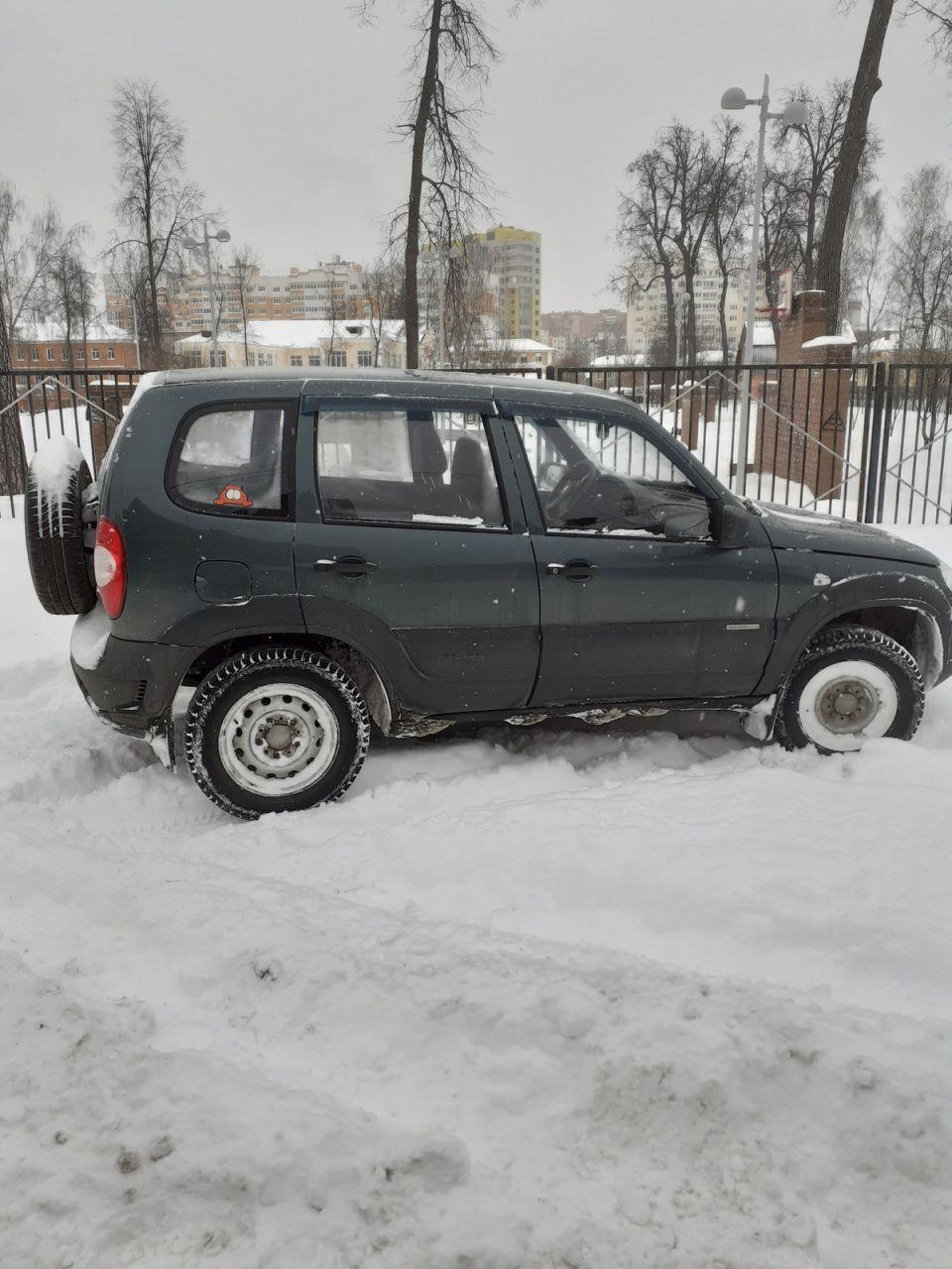 Снегопад. И ты король парковки