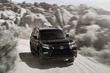Lexus обновил интерьер рамного внедорожника GX и представил спецверсию Black Line