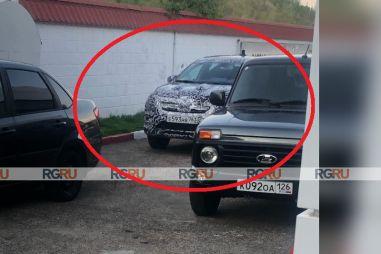 Прототип Renault Logan Stepway нового поколения замечен в России