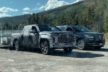 Toyota сравнивает пикап Tundra нового поколения с роскошным Lincoln Navigator