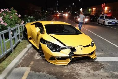 В Сочи молодой водитель арендовал и разбил Lamborghini Huracan