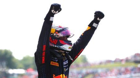 Формула 3: Деннис Хаугер уходит лидером на летние каникулы, Смоляр — пятый. Интервью с Александром Смоляром в Венгрии