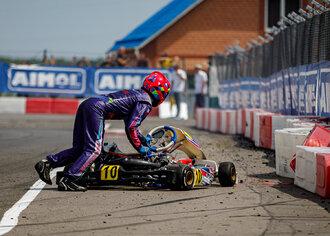 Вылет Петра Щекочихина на разгоне первого финала