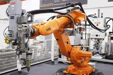 АвтоВАЗ модернизировал завод в Ижевске в преддверии запуска рестайлинговой Vesta