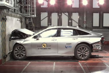 Euro NCAP испытала пять машин: Outback, Mirai, Q4 e-tron и два «китайца»