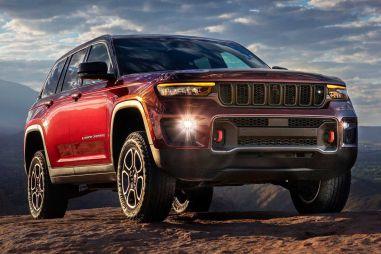 Jeep представил пятиместный Grand Cherokee нового поколения: его можно подключать к розетке