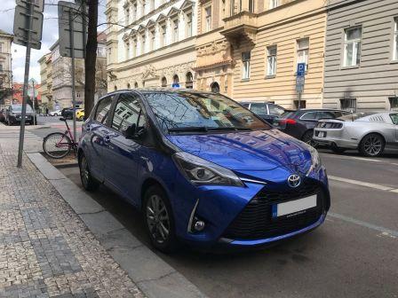 Toyota Yaris 2020 - отзыв владельца