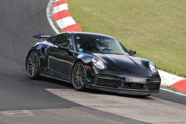 Porsche электрифицирует модель 911