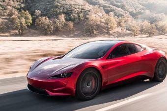 Сейчас у Tesla есть более приоритетные задачи, чем запуск Roadster в серию.