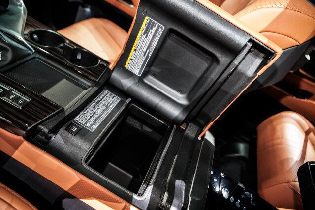 НОВЫЙ Lexus LX: ну, какие сюрпризы он нам приготовил? Обзор Дрома
