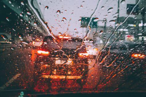 Системы помощи водителю оказались неэффективны во время дождя