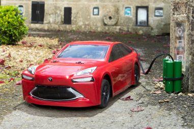 Toyota построила уменьшенную копию Mirai, работающую на водороде