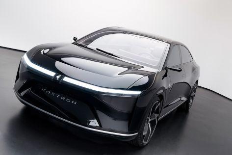 Электроседан тайваньской компании Foxtron с дизайном от Pininfarina показали во всех деталях